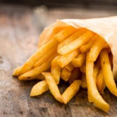 Il valido motivo per smettere subito di mangiare patatine